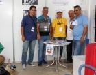 Equipo de trabajo del CCRD-C durante el montaje del stand en ExpoCuba