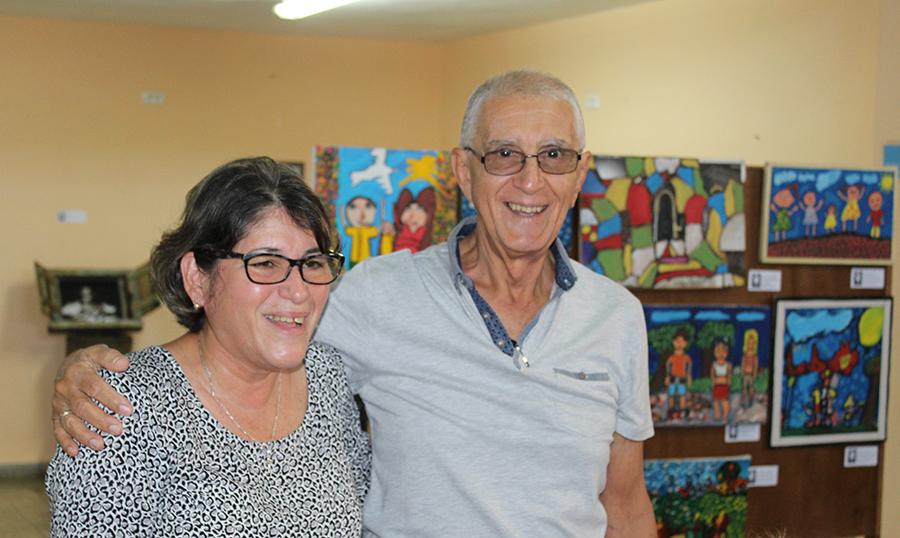 La socióloga Dra. Mayra Espina junto al reverendo Raimundo García Franco