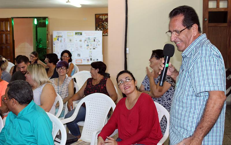 Los participantes en el Encuentro de matrimonios de personas con discapacidad comparten sus motivos de gratitud