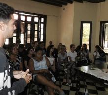 Joven cardenense expone sus ideas sobre los emprendedores de su barriada
