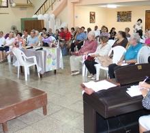 Isis Ruíz, especialista de la Pastoral para la reflexión y el diálogo, dio la bienvenida a los participantes