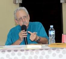 Los comentarios del sacerdote jesuita Alberto García, como siempre, inspiraron al público