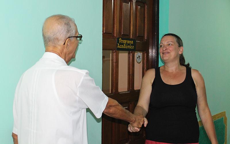 Ariane Gruszczynski, asesora institucional de la agencia Pan para el mundo (PPM) y Rev Raimundo García Franco
