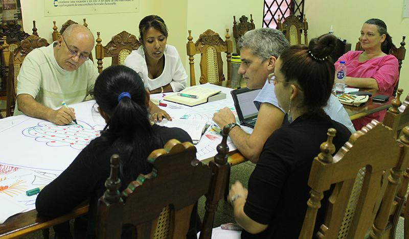 Ejercicio donde los coordinadores dibujan su visión sobre el Centro