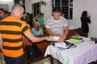 En el municipio Los Palos, aparte del debate, se le realizó una encuesta al público. José A. Bello Surí, realizador de sonido (derecha)