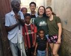 Grupo de IUW visitando a beneficiario de la Pastoral