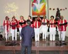 Coro de la I Iglesia Presbiteriana Reformada, dirigido por el pastor Alison Infante