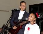 El pastor Alison Infante y su hija deleitaron al público con su interpretación