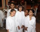 Integrantes del coro infanto-juvenil de la I Iglesia Presbiteriana Reformada se divierten antes de hacer su presentación