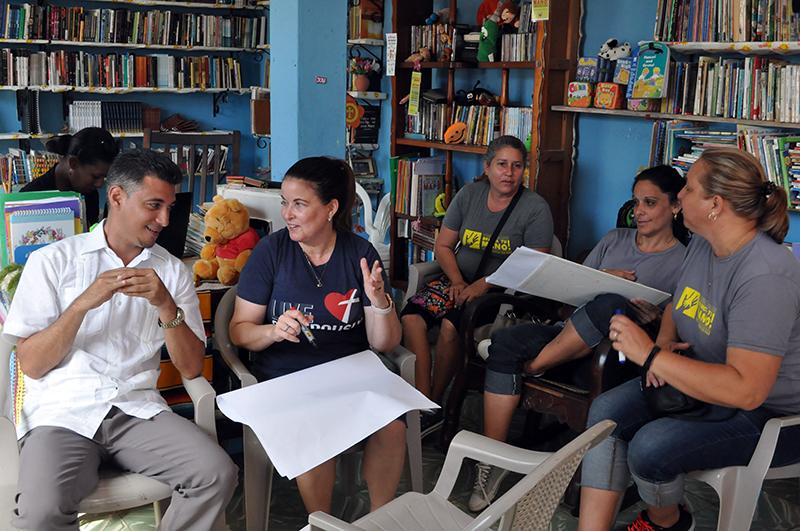 Profesionales y líderes en Jovellanos evalúan el trabajo comunitario