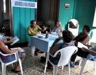 Alfredo Donatién, especialista de la Pastoral para la Reflexión y el Diálogo (al centro), habla sobre las metodologías para emprender un negocio