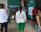 Dinámica grupal durante el Taller sobre violencia de género y abuso infantil