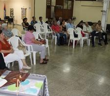 Durante la conferencia sobre actualidad económica en Cuba impartida por el Dr. C. Juan Triana Cordoví (de pie)