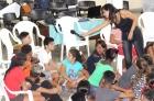 Aylin Arias Díaz, estudiante de psicología, facilita el debate en torno a las relaciones interpersonales