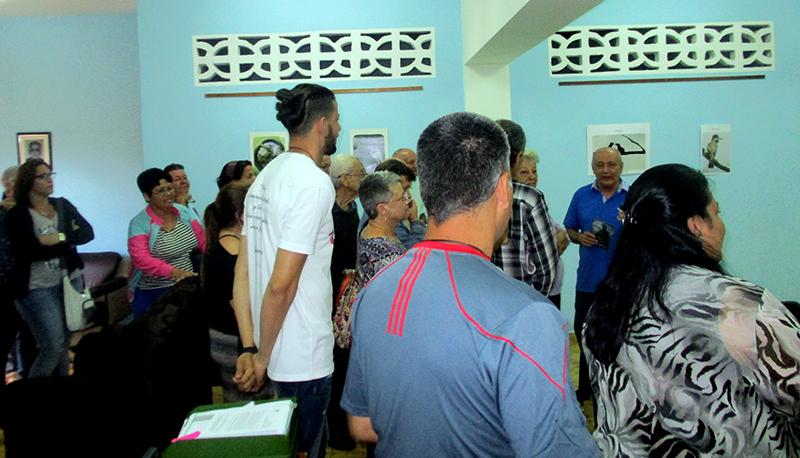 Los participantes en el Sínodo de la Iglesia Presbiteriana-Reformada en Cuba disfrutan de la exposición