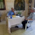 Reverendo Raimundo García Franco y Padre Jesús F. Marcoleta