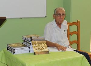 Reverendo Raimundo García Franco durante la presentación de su libro Llanura de sombras. Diario de las UMAP
