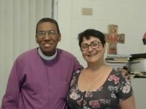 El Obispo Episcopal de República Dominicana, Rvdmo. Moisés Quezada Mota y La Directora Ejecutiva, Lic. Rita María García Morris