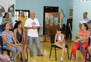Premiación del concurso Doña Natura y yo, al centro, Diego Valdés coordinador del CID