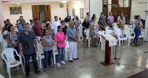 Trabajadores del CCRD-C durante el devocional