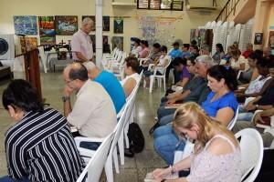 Oración inicial a cargo del Reverendo Raimundo García Franco