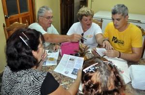 Revisando el tríptico promocional del grupo gestor de Jagüey Grande