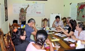 Directivos y especialistas del CCRD-C reunidos con los evaluadores