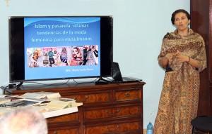 La MSc. Mayla Acedo Bravo imparte la conferencia