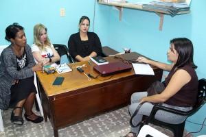 Psicólogas del CCRD-C (izquierda) y periodista de IPS, durante la entrevista