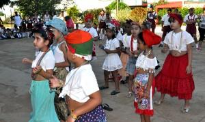 Celebración por el 4 de abril en la comunidad José Smith Comas
