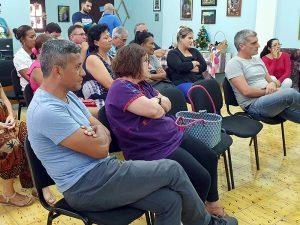 Público asistente a la representación del primer acto de Ibsen, trilogía para el ahora de Cuba