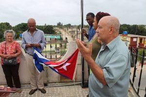 Inauguración de sitial para la bandera cubana en CCRD-C